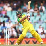 मैक्सवेल के स्विच हिट पर मचा बवाल, पूर्व क्रिकेटरों ने उठाए सवाल तो ICC के पूर्व अंपायर ने किया बचाव