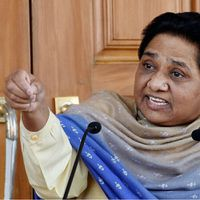 Why are Narendra Modi and Mayawati engaged in a war of words?