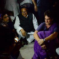 'योगी सरकार ने प्रियंका गांधी को रात भर भूखे-प्यासे रखा'