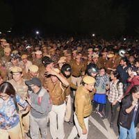 JNUSU और सरकारी समिति के बीच बैठक; JNU के नेत्रहीन छात्रों को पुलिस ने प्रदर्शन से रोका