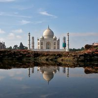 Taj Mahal gets first visitors since lockdown, even as COVID cases rise
