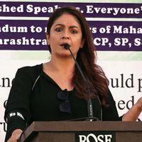 Bollywood Jalwa: CAA NRC पर Pooja Bhatt ने लिया सरकार को आड़े हाथ