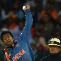 Spinner Pragyan Ojha hangs up his boots, fan tributes pour in