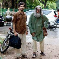 """Ayushmann Khurrana and Amitabh Bachchan """"at loggerheads"""" in 'Gulabo Sitabo'"""