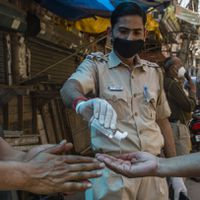 കോവിഡ്19 പ്രതിരോധം:11,000 തടവുകാരെ മഹാരാഷ്ട്ര ജയിൽ മോചിതരാക്കും
