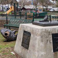 अमेरिका में तोड़ी गई गांधी जी की प्रतिमा, भारत सरकार ने उपहार में दिया था