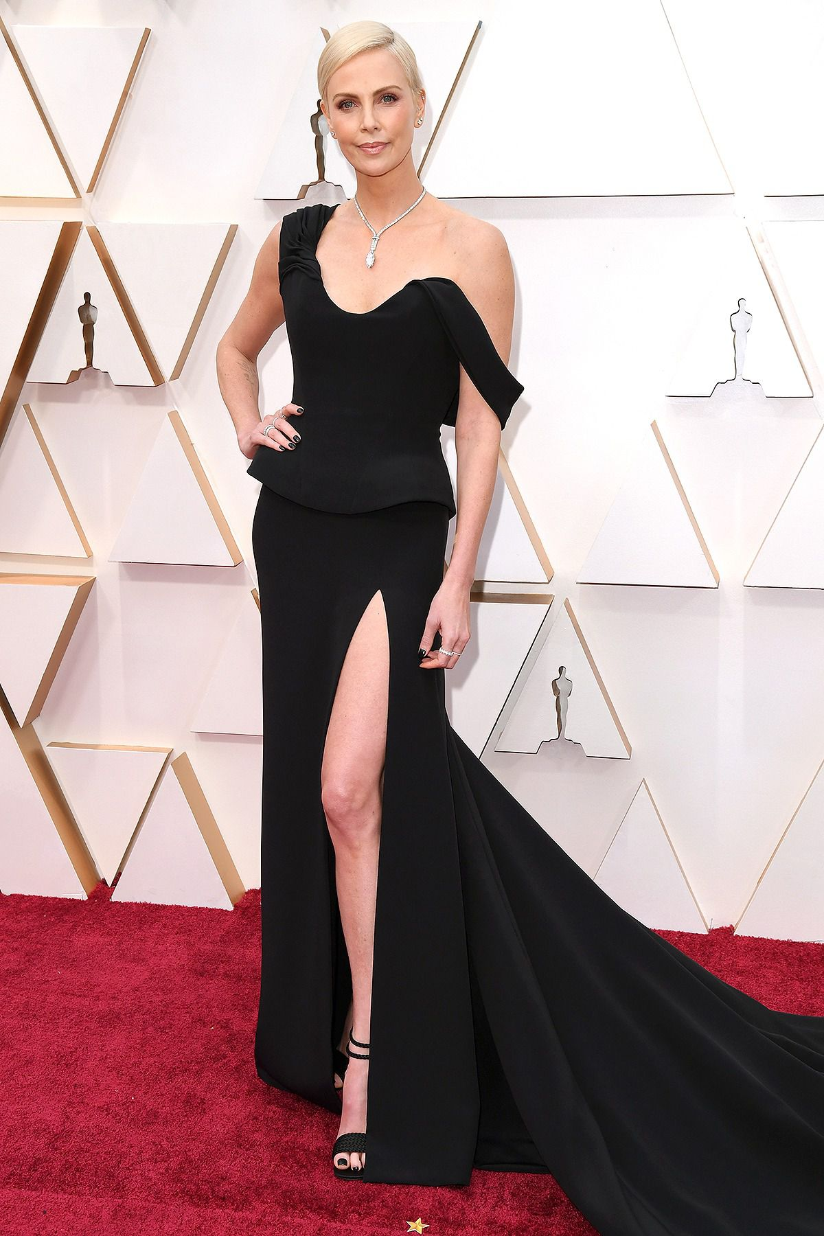 Charlize Theron at the Oscars 2020.